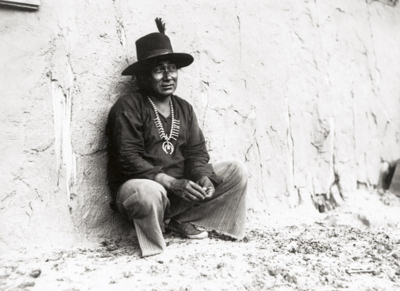 Kayenta Trading Post in 1913. Navajo portrait by John Wetherill