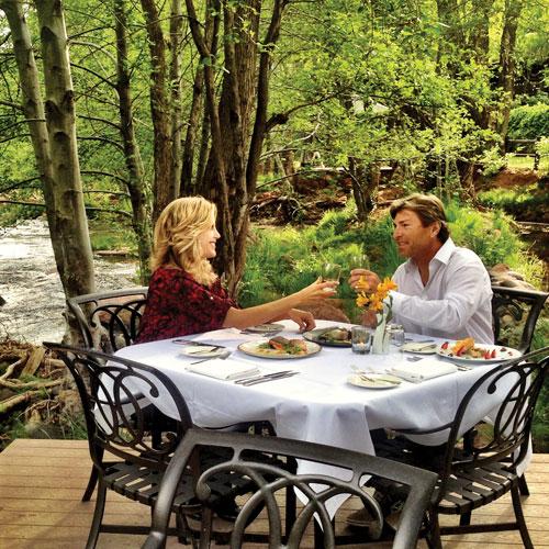 Tara and Kenn dine creekside