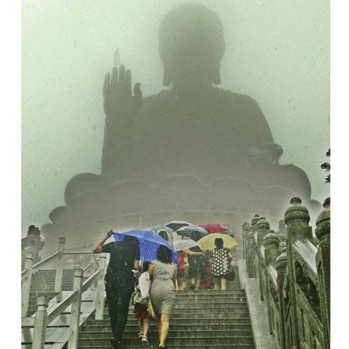 The Tian Tan Buddhist temple Tara snapped in the fog