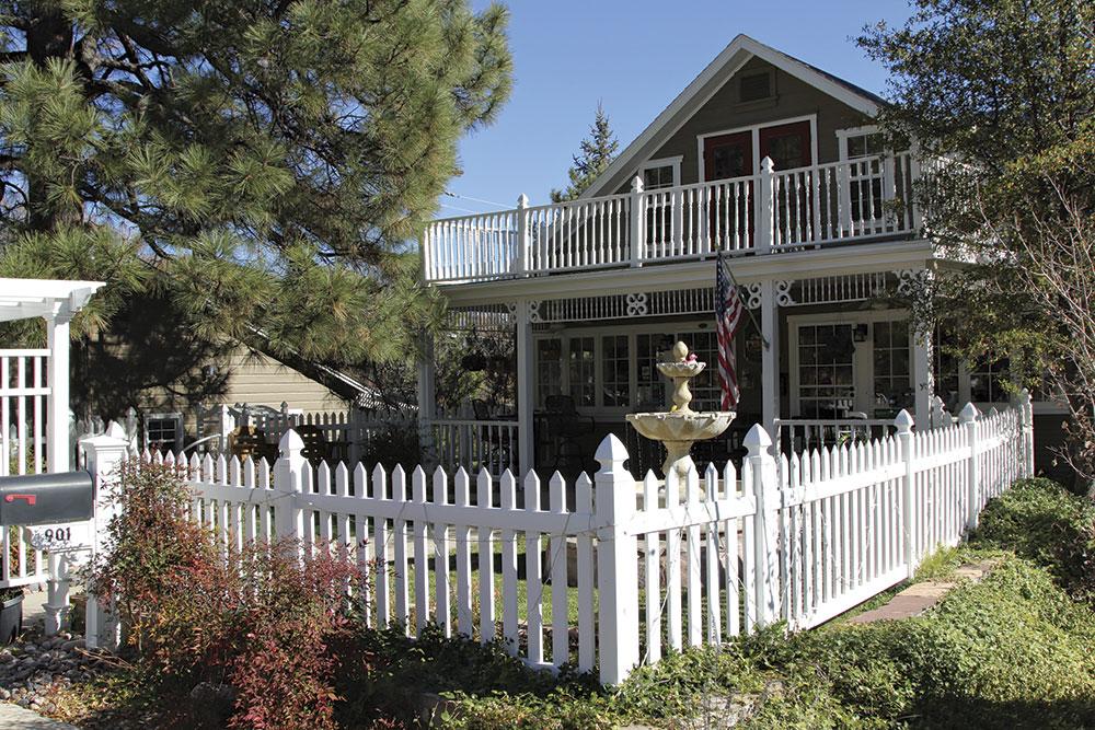 the stately main manse at Prescott Pines Inn
