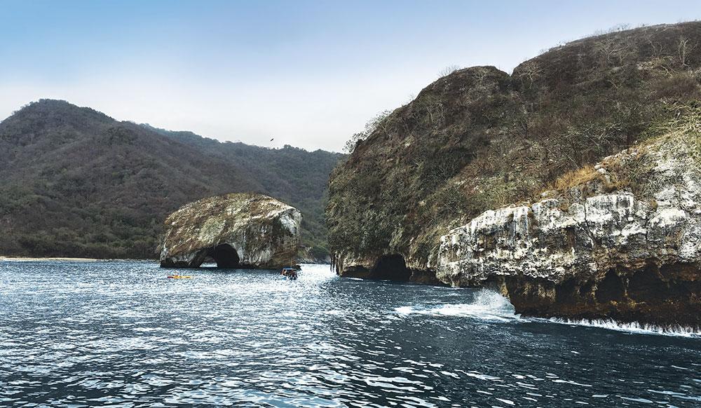 Los Arcos granite islands on the way to Las Caletas