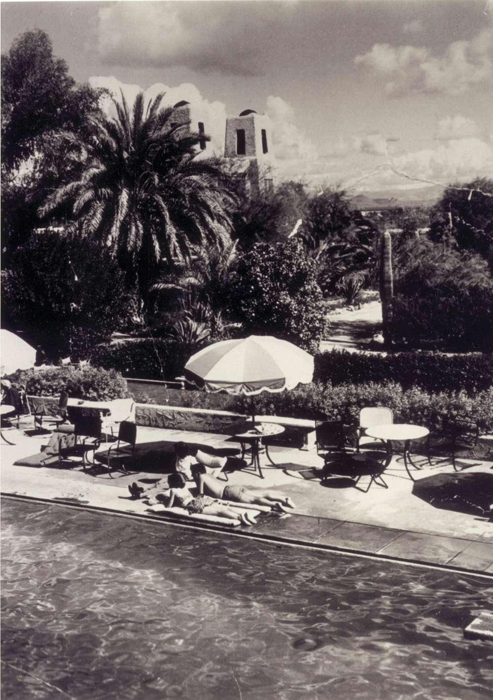 Swimming pool at the Jokake Inn, circa 1940s. Historical photos provided by Arizona Historical Society