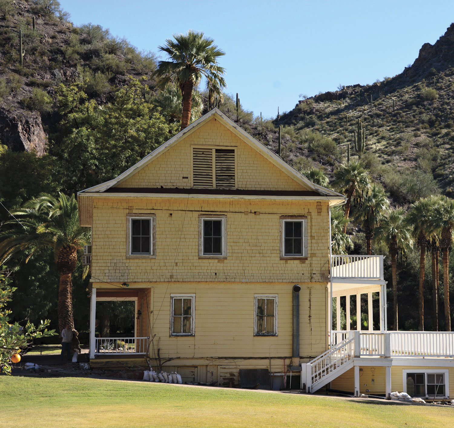 The Kennedy Lodge, pre-restoration; photo courtesy Graving Haven/Castle Hot Springs