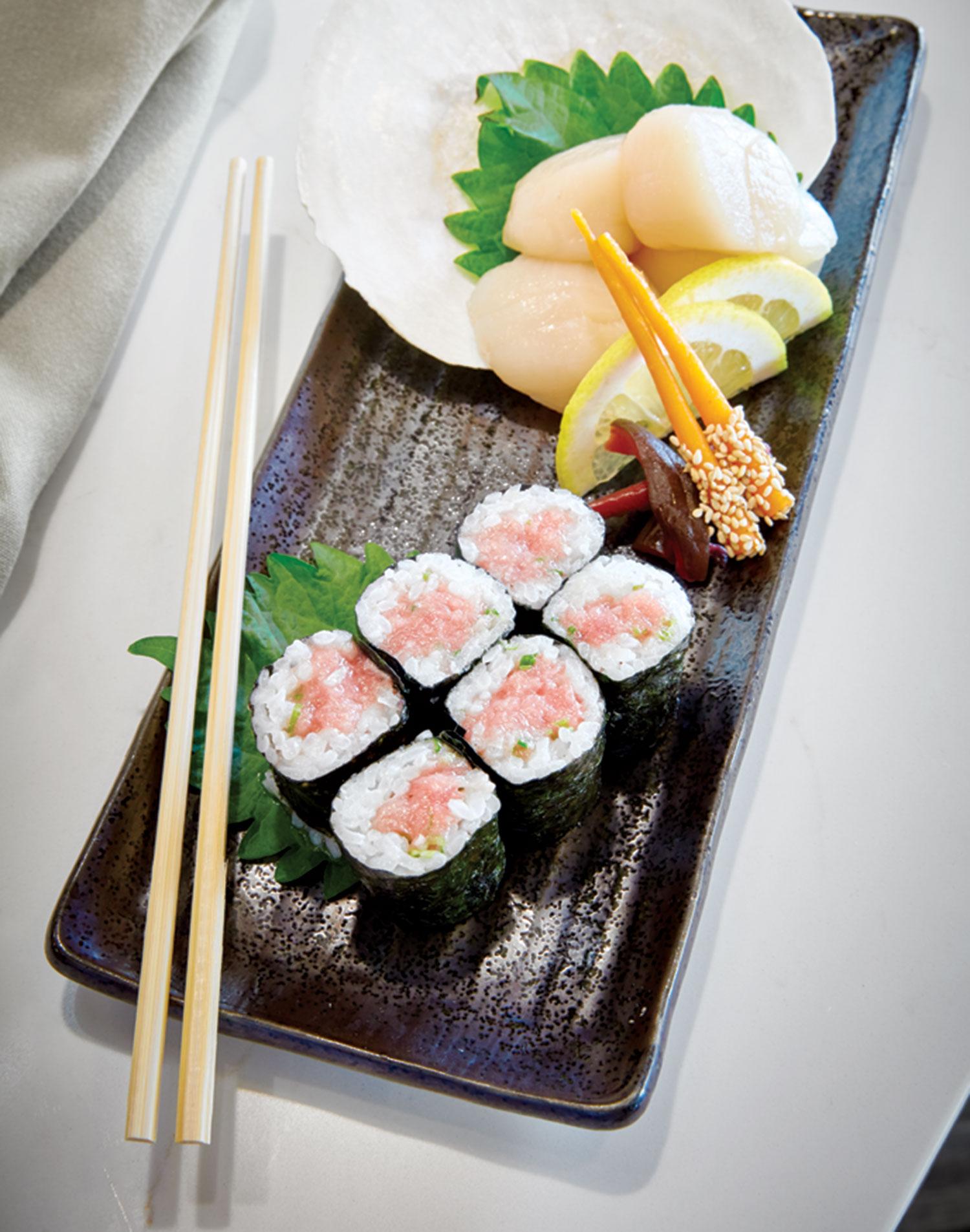 negitoro (tuna belly) roll