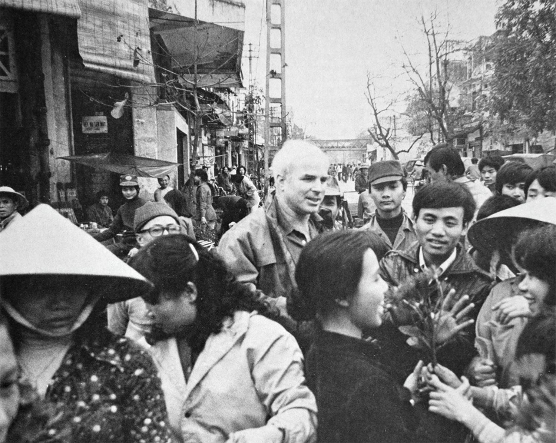 McCain returns to Hanoi in 1985