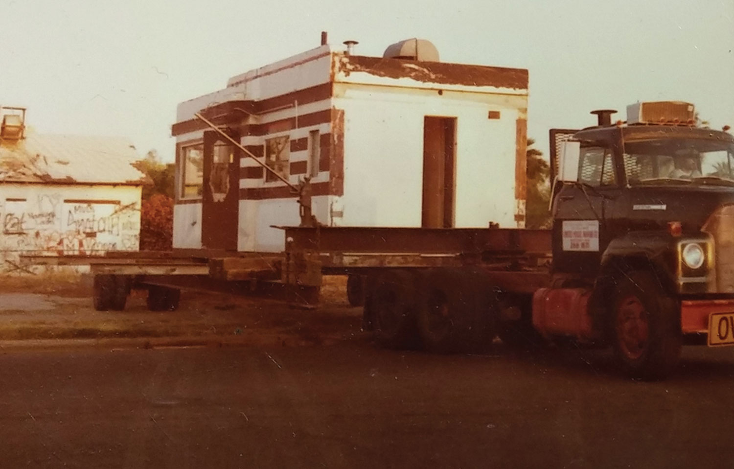 the diner being moved to its present location on Roosevelt and 10th streets,1982