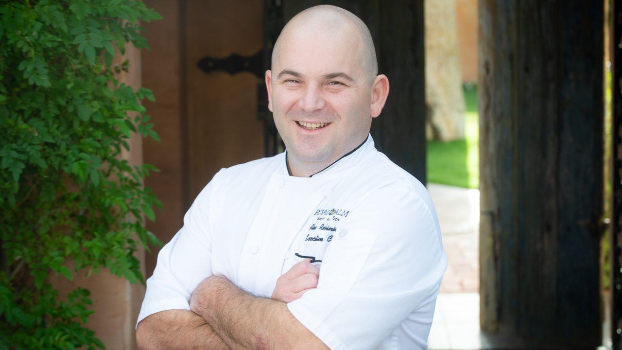 https://www.phoenixmag.com/wp-content/uploads/2019/04/Chef-Alex-Robinson-1280x720.jpeg