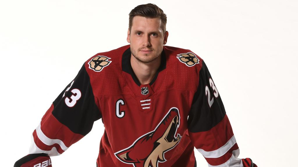 Arizona Nonprofits Arizona Coyotes Team Captain Oliver Ekman