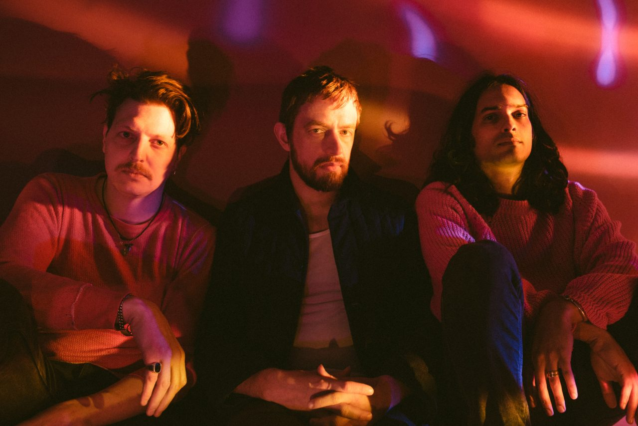 https://www.phoenixmag.com/wp-content/uploads/2019/07/YEASAYER-1-1280x854.jpg