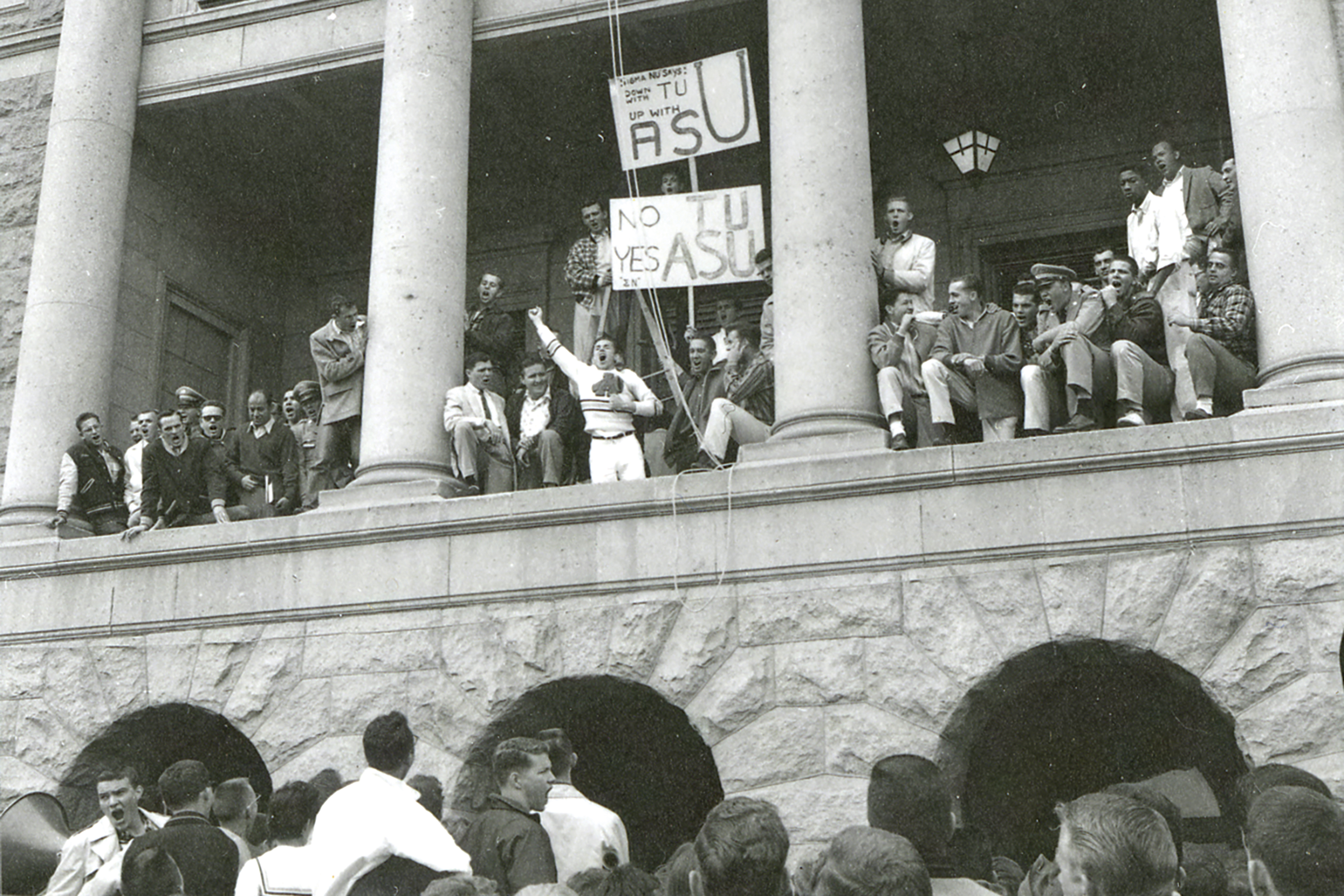 Students demonstrate at the state Capitol to rename their school Arizona State University, 1958; Photo courtesy Arizona State University Archives