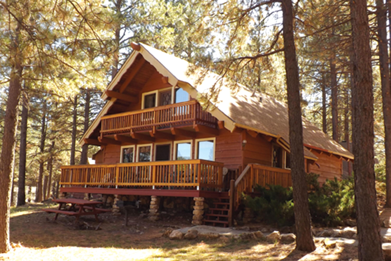 Photo courtesy Arizona Mountain Inn & Cabins