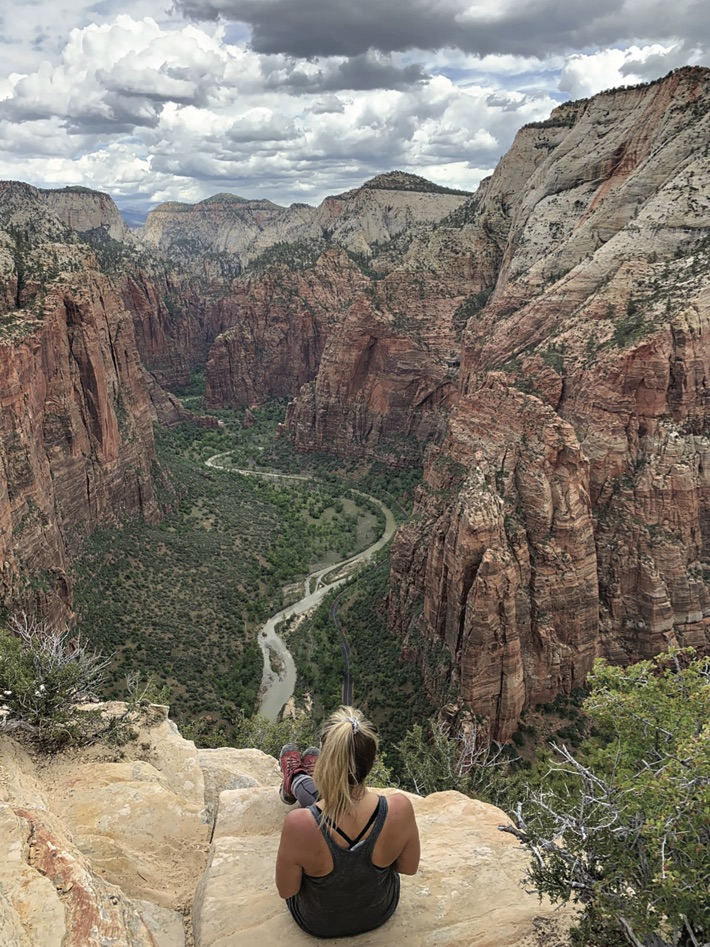 Phoenix Hiker Heather Viti Taylor Takes It Easy on Arizona Trails