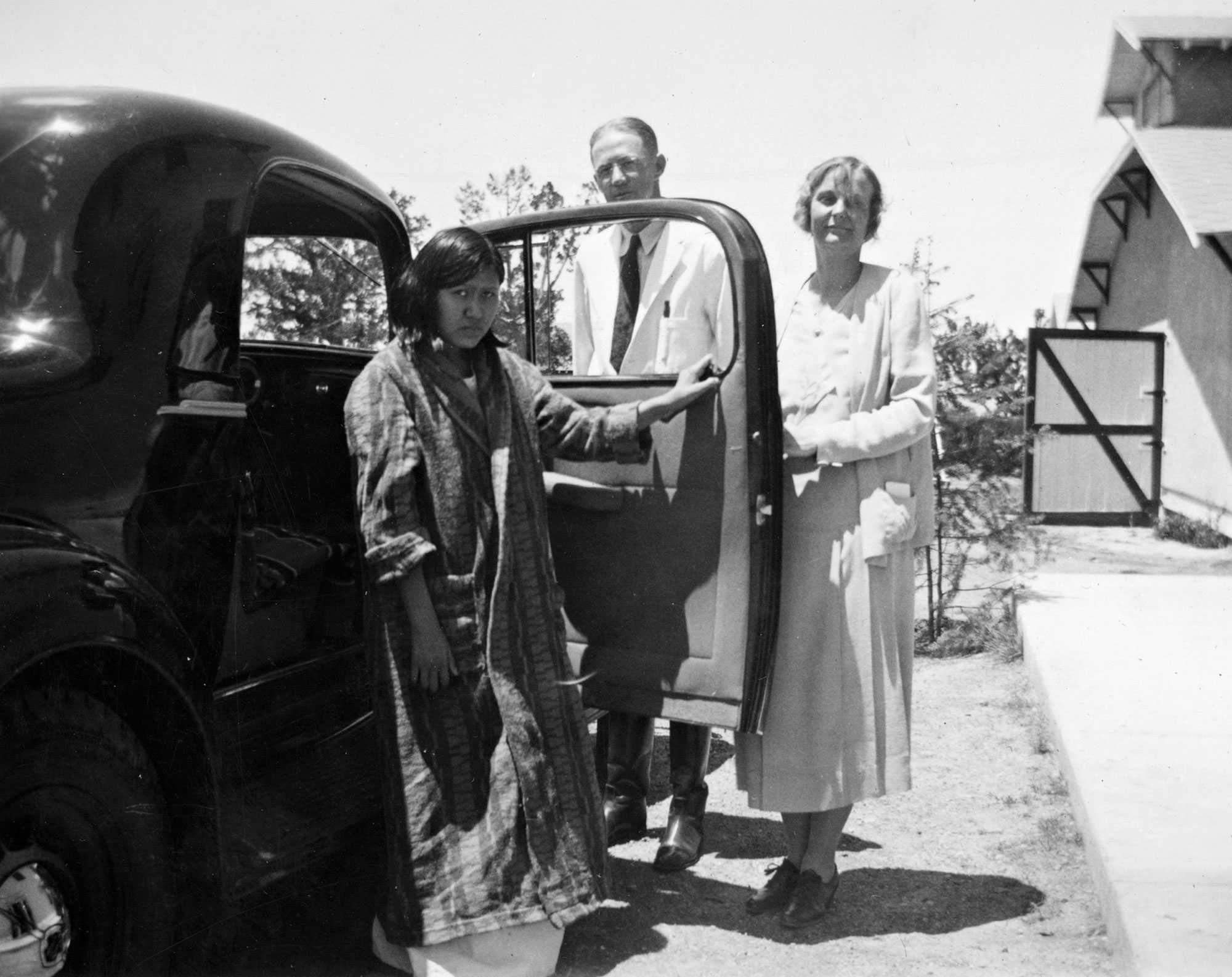 rural medical personnel at the Ganado Mission in Arizona in 1938; Photo courtesy Arizona State Library, Archives and Public Records, History and Archives division, Phoenix, # 90-0101
