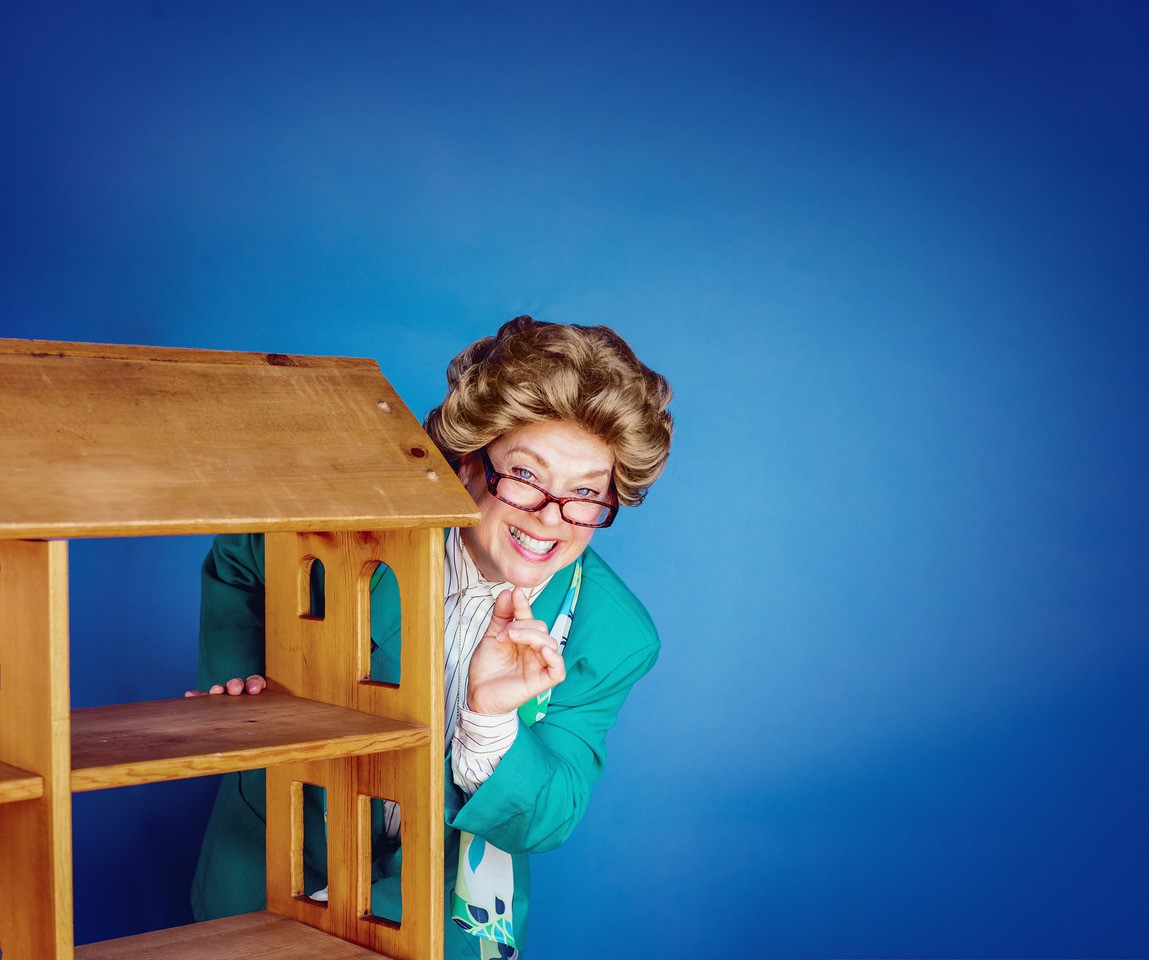 https://www.phoenixmag.com/wp-content/uploads/2021/06/Becoming-Dr-Ruth-no-text.jpg