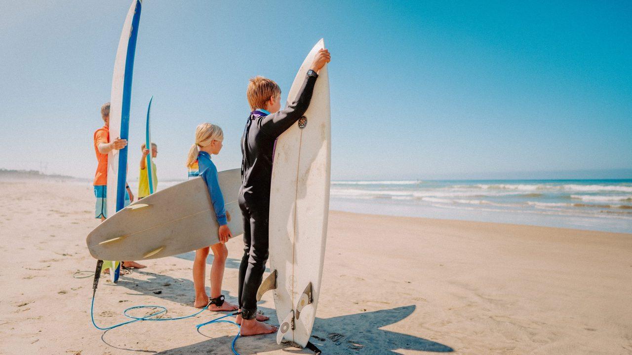 https://www.phoenixmag.com/wp-content/uploads/2021/09/Kids-Surf-Family-Beach-05944-1280x720.jpg