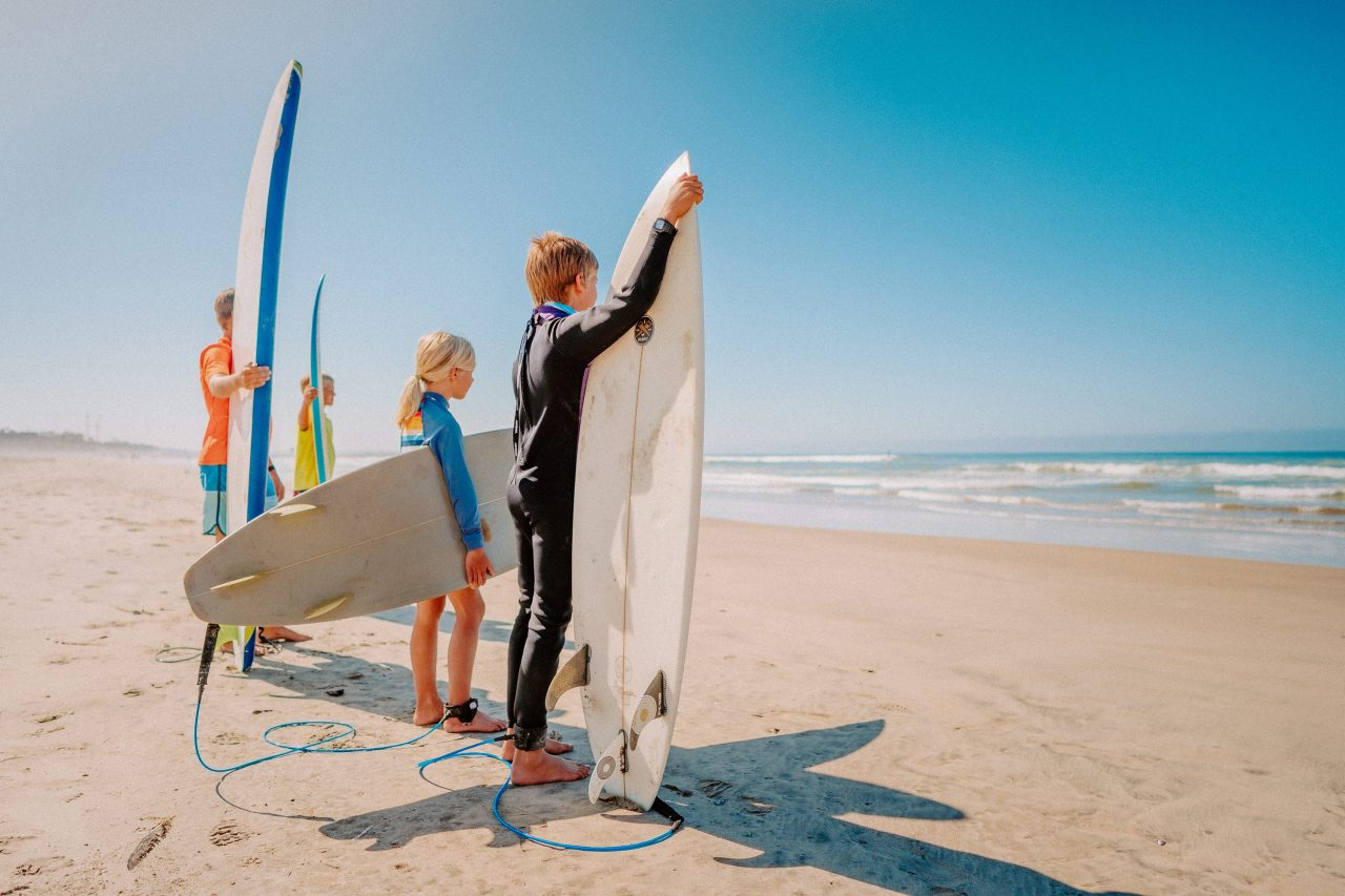 https://www.phoenixmag.com/wp-content/uploads/2021/09/Kids-Surf-Family-Beach-05944-1280x853.jpg