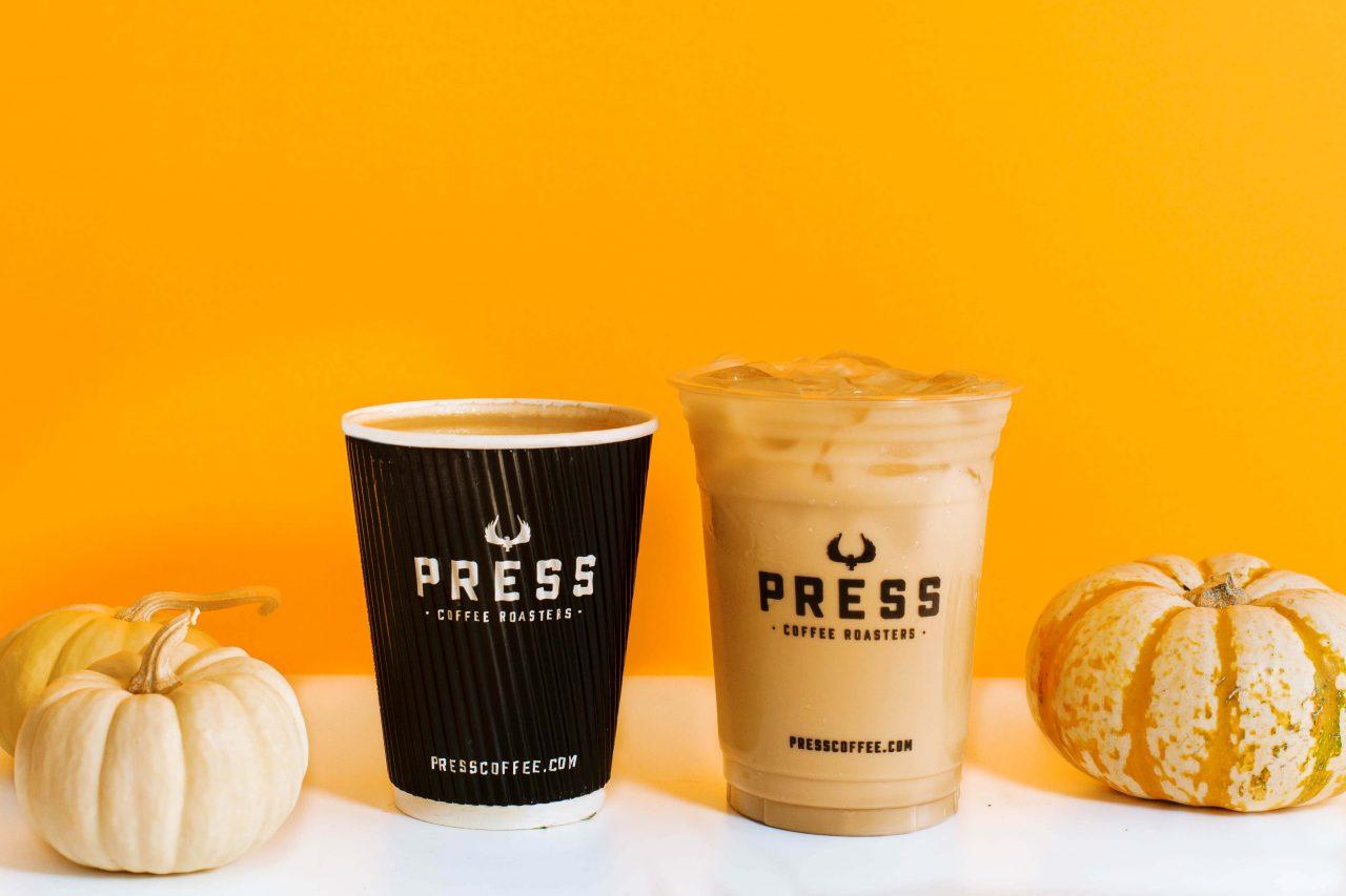 https://www.phoenixmag.com/wp-content/uploads/2021/10/Pumpkin-Spice-latte-1280x853.jpg